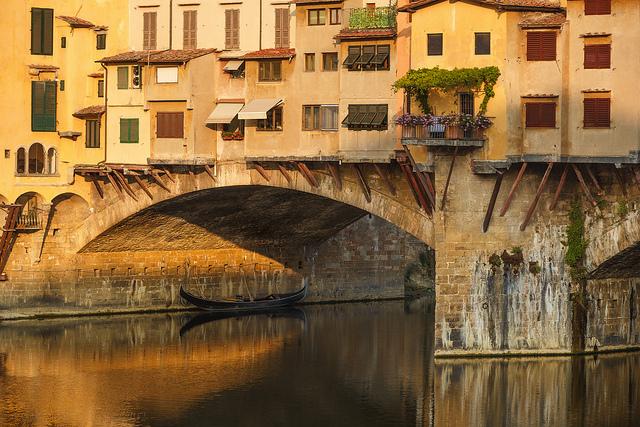 Assedi, Toc Toc Firenze