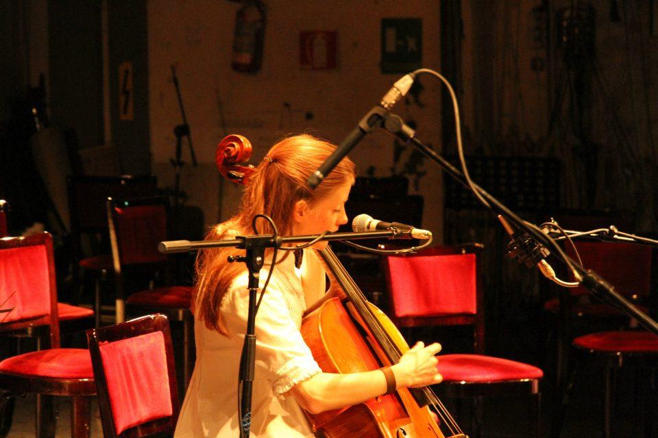 Naomi Berrill - Toc toc Firenze