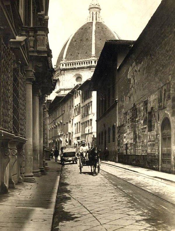 Vecchia Firenze mia, Toc Toc Firenze