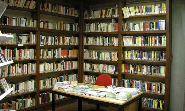 Biblioteca_Pietro_Thouar_02